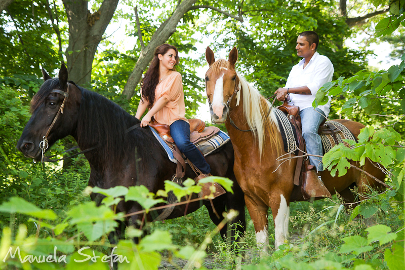 Engagement photos with horses